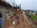 Na celotnem odseku je potreben izkop trde kamenine oziroma uporaba pnevmatskega kladiva za razbijanje skal.