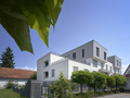 Stanovanjska stavba Karantanika je prva stanovanjska stavba v celoti narejena iz lesa in prva štirinadstropna stavba v Sloveniji (avtor: Damjan Švarc)